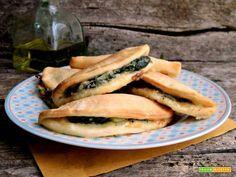Calzoni filanti con le bietole  #ricette #food #recipes