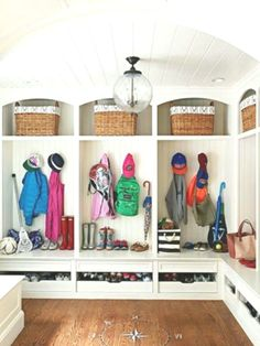 Creative Storage Ideas for the Home Mudroom ideas. Amazing mudroom by Sue from The Zhush - Aufbewahrung Garderobe Design, Mudroom Laundry Room, Bathroom Laundry, Mudroom Cubbies, Mud Room Lockers, Mudroom Cabinets, Downstairs Bathroom, Creative Storage, Smart Storage