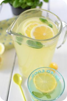 Lemonade with Basil - Trend Healthy Cocktail Recipes 2019 Drinks Alcohol Recipes, Non Alcoholic Drinks, Cocktail Drinks, Raw Food Recipes, Cocktail Recipes, Healthy Recipes, Healthy Eating Tips, Healthy Drinks, Healthy Smoothie