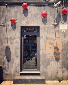 #door #sixtynine #ladybird #direct_sun #shadows #thessaloniki #skg