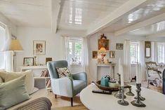 Keltainen talo rannalla: Rustiikkia, väriä ja vintagea Mirror, Inspiration, Furniture, Vintage, Ideas, Home Decor, Biblical Inspiration, Decoration Home, Room Decor