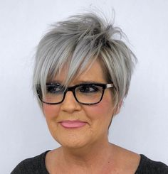 Fun Silver Pixie with Long Razored Layers red hair styles 80 Best Modern Hairstyles and Haircuts for Women Over 50 Haircut For Older Women, Haircuts For Fine Hair, Short Pixie Haircuts, Modern Hairstyles, Short Hairstyles For Women, Cool Hairstyles, Hairstyles 2018, Wedding Hairstyles, Pixie Haircut Layered
