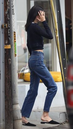 Kendall Jenner Outfits, Kendall And Kylie, Models Off Duty, Feminine Style, Feminine Fashion, Jeans Style, Star Fashion, Autumn Winter Fashion, Celebrity Style