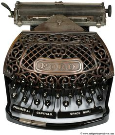 13 of the World's Oldest (and Most Beautiful) Typewriters #hackgenealogy #technology