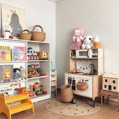 Olli Ella Holdie House Storie Stool and Luggy look so perfect in this fun kids playroom! Playroom Design, Childrens Beds, Toy Rooms, Modern Kids, Kids Corner, Kid Spaces, Home Staging, Kids House, Girl Room