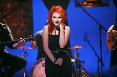 Paramore frontwoman Hayley Williams performs on 'MTV Unplugged. Jeremy Davis, Taylor York, Mtv Unplugged, Hayley Williams, Paramore, My Girl, Concert, Hair, Women