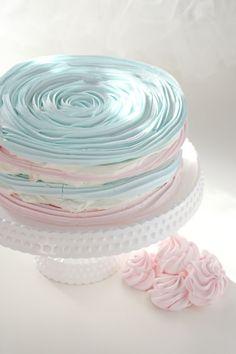 Simplesmente Branco- Vera Cardoso, é um bolo merengado!