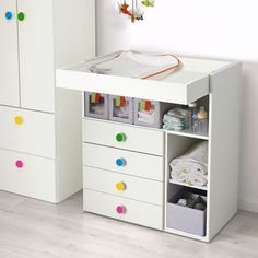 STUVA / FÖLJA Changing table with 4 drawers, white, cm. It's so much more than just a changing table! It grows with your child and easily converts into a play table or desk. It's a durable piece of furniture that can stay in your home for many years! White Changing Table Dresser, Changing Table Storage, Baby Changing Tables, At Home Furniture Store, Modern Home Furniture, Furniture Design, Baby Dresser, Ikea Dresser, Dresser Plans