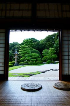 Japanese garden at Kokoku-ji tenple, Shimane, Japan 康國寺 島根   What if our churches had such gardens?