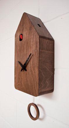 Cuckoo's House Light Sensor Version Walnut wood by pedromealha