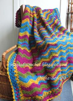 Blanket crochet stitch in zigzag or ripple