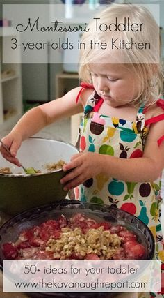 50  Montessori friendly ideas for getting your child involved in the kitchen. Maria Montessori, Montessori Preschool, Montessori Education, Montessori Materials, Kids Education, Special Education, Toddler Learning, Toddler Fun, Preschool Activities