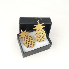 Boucles d'oreilles ananas en bois - or - Découpe laser - Atelier Thorey
