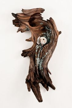 """Hyper-Realistic """"Wooden"""" Sculptures Made of Ceramic - CAT IN WATER"""