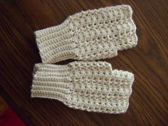 10 Marvelous Crochet Fingerless Mitts Patterns{mooglyblog.com}