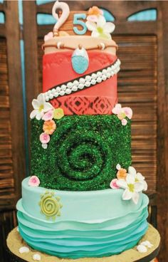 A close up of this stunning cake by Blessed to work with amazing vendors. Moana Party, Moana Themed Party, Moana Birthday Party, 6th Birthday Parties, Luau Party, Birthday Cake, Birthday Ideas, Moana Y Maui, Bolo Moana