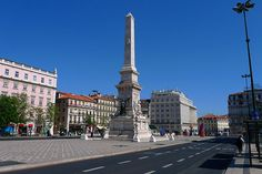 Lisbon's Photos and Images in this pin please me.