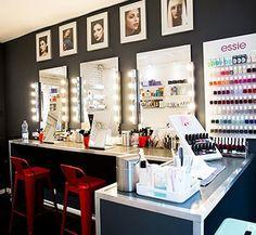 Maquillage à l'institut de beauté Blend Colors à 75003 Paris Nail Bar, Manicure And Pedicure, Vanity, Make Up, Spa, Paris, Colors, Ideas, Vanities