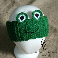 Do you have a boy in your life that loves frogs? Make these frog ear warmers for him! Make this for little boys by leaving out rows!