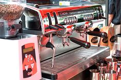 La Crema Kaffe Espresso Classic passer perfekt til alle espressobaserte drikker! :D