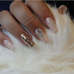 Looking for easy nail art ideas for short nails? Look no further here are are quick and easy nail art ideas for short nails. Glam Nails, Beauty Nails, Cute Nails, Pretty Nails, Nail Art Design 2017, Best Nail Art Designs, Perfect Nails, Gorgeous Nails, Cracked Nails