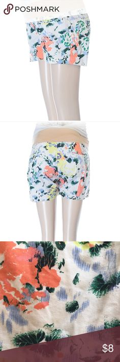 "Gap Maternity Floral Shorts 3"" Inseam, 5"" Rise, 28"" Waist Materials 100% Cotton GAP Shorts"