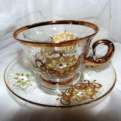 Šálek na čaj * smaltované sklo s ručně malovanými květy * Sklárna Slávia CZ.