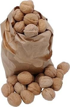 Walnuts hulled shortly after harvest after a longer shelf life than walnuts left in the hull.