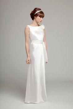 Budget wedding dress designers uk