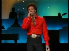 TOM JONES - I KNOW I'LL NEVER LOVE THIS WAY AGAIN (LIVE)