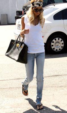 In Nicole's closet: Bill Blass Love Fashion, Autumn Fashion, Womens Fashion, Fashion Design, Petite Fashion, Curvy Fashion, Style Fashion, Casual Outfits, Fashion Outfits