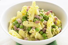 Cooked more pasta than needed? Dont throw it away - just add bacon, peas and creme fraiche for a quick lunch of Pea and bacon pasta.