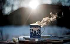 Hot coffee/tea on a cold morning I Love Coffee, Hot Coffee, Coffee Break, Morning Coffee, Coffee Cups, Tea Cups, Coffee Mornings, Coffee Talk, Brown Coffee