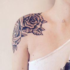 Shoulder Several Rose tattoo