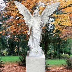 Großer Friedhofsengel als Marmorgrabstein • Qualität & Service direkt vom Bildhauer • Jetzt Grabstein online kaufen bei ▷ Serafinum.de