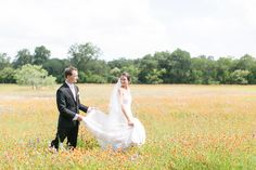 PHOTOS: An Outdoor Texas Wedding With Tons of Sentimental Charm