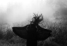 La photographe Maren Klemp explore son trouble bipolaire dans des autoportraits…