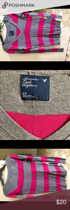 Long sleeve sweater Gently used American Eagle outfitters gray and fuchsia pink long sleeve striped sweater very soft and comfortable make me an offer🌷🌷🌷 American Eagle Outfitters Sweaters V-Necks