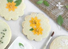How-Tuesday: Flower and Herb Shortbread on Etsy   need to get meringue powder