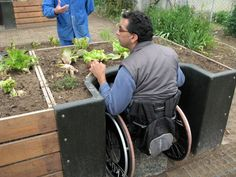 for All Terraform raised garden plot for wheelchair users.Terraform raised garden plot for wheelchair users. Sensory Garden, Public Garden, Raised Garden Beds, Raised Gardens, Raised Beds, Raised Planter, Horticulture, Garden Projects, Container Gardening