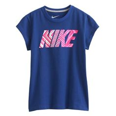 A guide to the presents teen females and boys letirally absolutely adore right now. Sporty Outfits, Nike Outfits, Athletic Outfits, Sporty Clothes, Yoga Outfits, Athletic Clothes, Nike Shirts For Girls, Baby Shirts, Nike Shoes For Sale
