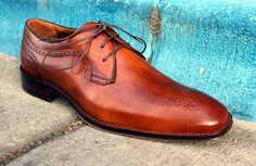 The Best Mens Dress Shoes under $200 of 2017  TheBest Looking Dress Shoes Under $200  Paying for quality is smart but not everyone can (or wants to) spend over two hundred bucks on a pair of dress shoes. Sometimes you need something to get you from point A to point B and only then when you reach point B does it actually become possible to drop a couple C-notes on lace-ups.Plusan inexpensive pair of shoes means youre not married to them for the next decade. Most of us will rent a few places…