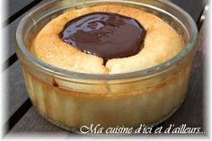 Flan coco, coulis de chocolat