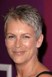Jamie Lee Curtis was born on November 1958 in Los Angeles, California, the daughter of legendary actors Janet Leigh and Tony Curtis. She got her big break at acting in 1978 when she won the role of Laurie Strode in Halloween Jamie Lee Curtis, Tony Curtis, Janet Leigh, Short Blonde, Grey Hair, Belle Photo, Actors & Actresses, Short Hair Styles, Pixie Styles