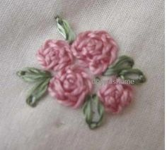 This and that...my random thoughts: Roses with rose stitch,chainstitch and blanket stitch