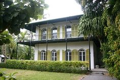 One of Jean Harlow's homes...another reportedly haunted house. :)