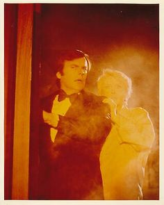 Robert Wagner and Susan Flannery were aware of fire……but…too late………