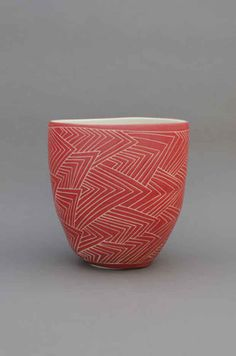Shio Kusaka 2019 Shio Kusaka The post Shio Kusaka 2019 appeared first on Clay ideas. Ceramic Bowls, Ceramic Pottery, Stoneware, Ceramic Techniques, Pottery Techniques, Sgraffito, Ceramic Painting, Ceramic Art, Cerámica Ideas