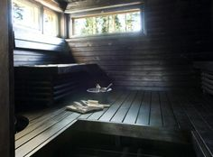 Low light, and nice space for reclining~ great sauna