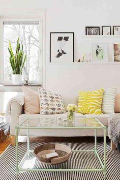 scandinavian home: Elina Dahl's happy home, living room, white, clean. Home Living Room, Living Room Decor, Living Spaces, Small Living, Modern Living, Living Area, Minimalist Living, Living Room Inspiration, Home Decor Inspiration